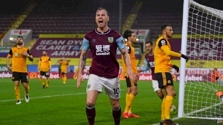 The Clarets Kalahkan Wolverhampton 2-1, Barnes Akhiri Paceklik Gol
