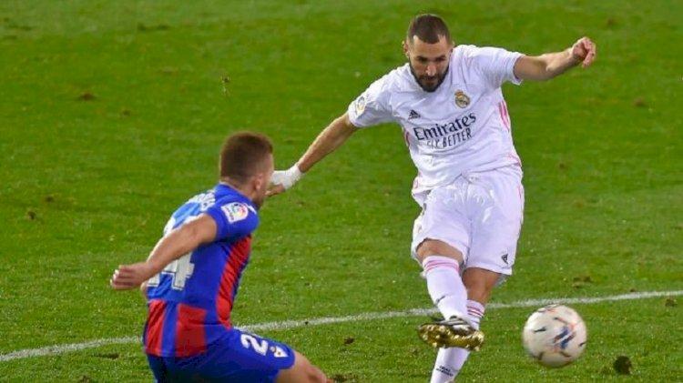 Real Madrid Samai Poin Atletico Usai Tekuk Eibar 3-1