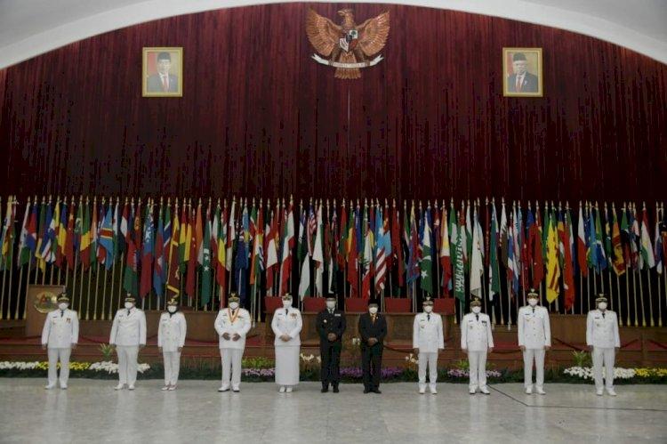 Ridwan Kamil Lantik Lima Kepala Daerah Pilkada Serentak 2020 di Jabar