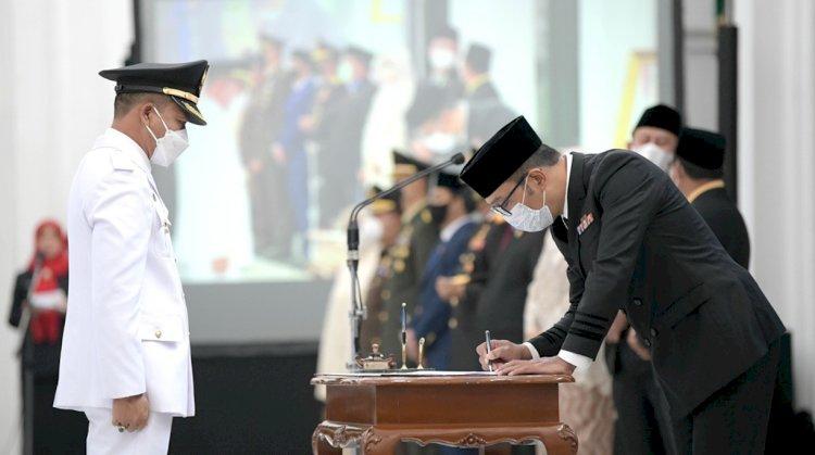 Gubernur Jabar Lantik Kepala Daerah Bandung dan Tasikmalaya
