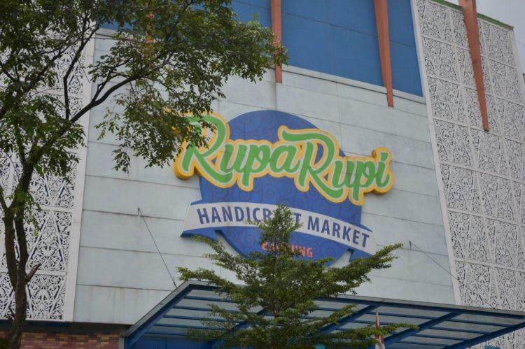Kejagung Sita Gedung Rupa Rupi Handycraft Milik Benny Tjokro di Bandung