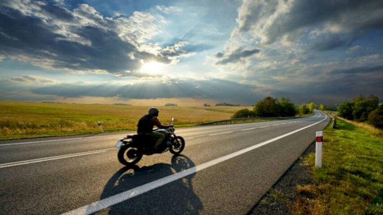 Berkendara Aman Saat AKB Bagi Pengguna Motor