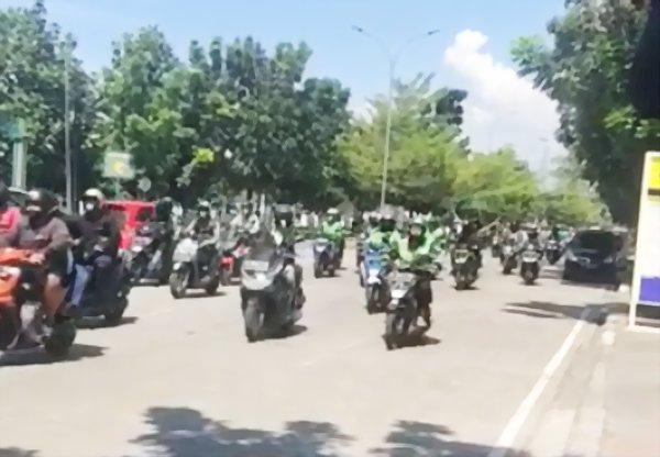 Tolak PPKM Darurat, Ribuan Ojol di Bandung Turun ke Jalan