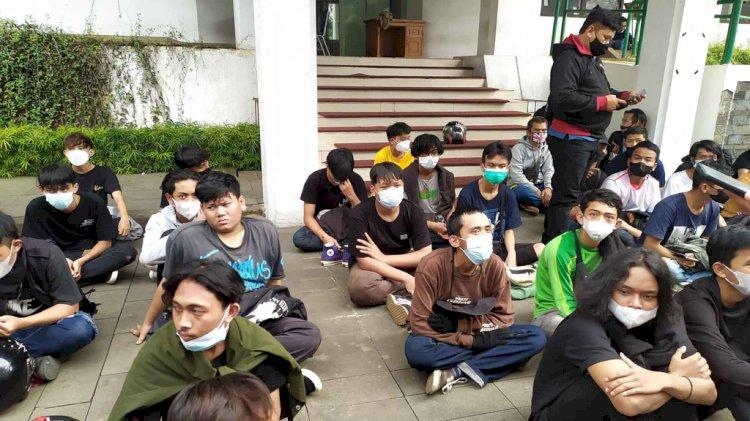 Polisi Tetapkan 1 Tersangka Pembawa Molotov dan Buru Provokator Kerusuhan Demo Tolak PPKM Bandung
