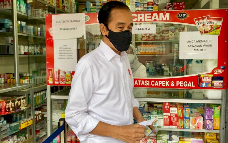 Jokowi Blusukan Cek Ketersediaan Obat Covid-19 di Bogor