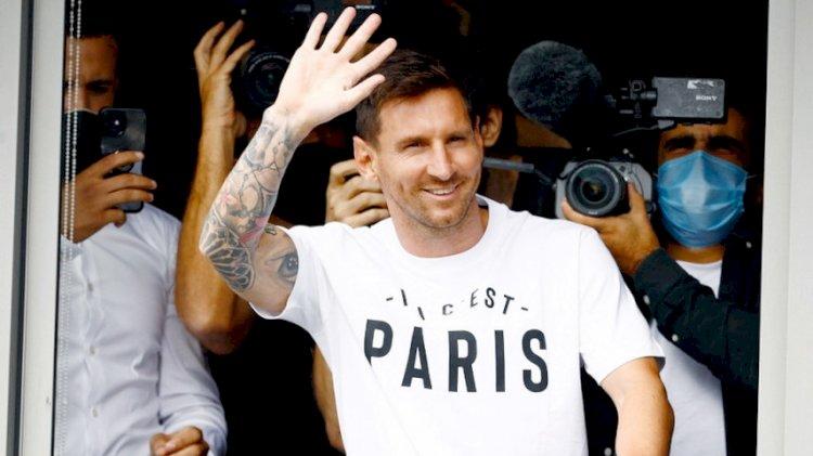 Messi Tiba di Paris, Siap Bergabung dengan PSG