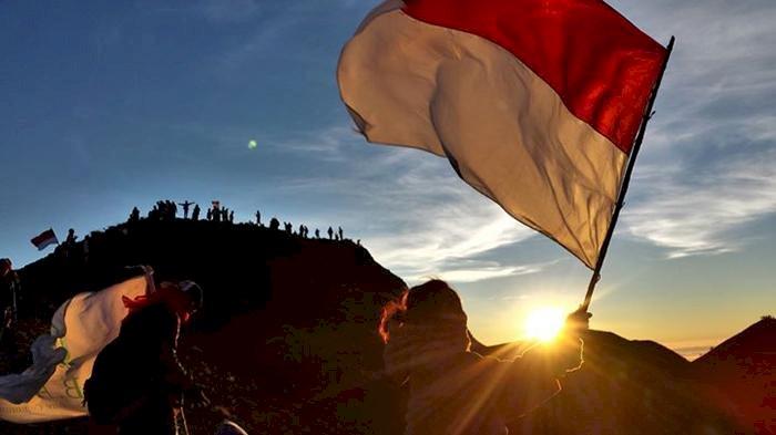 Terjebak di Gunung Amonggedo Usai Pengibaran Merah Putih, Puluhan Mahasiswa Berhasil Dievakuasi