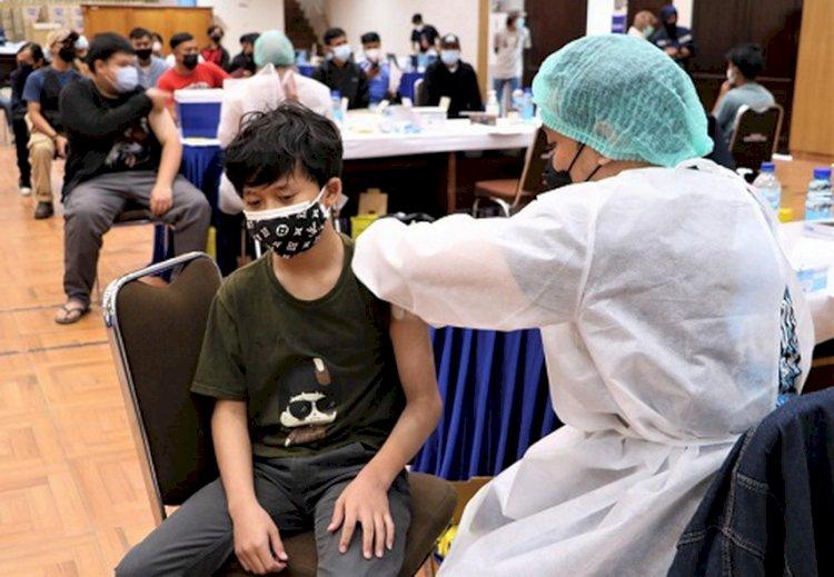 Vaksinasi Covid-19 Bagi Remaja di Bandung Terkendala Ketersediaan Vaksin