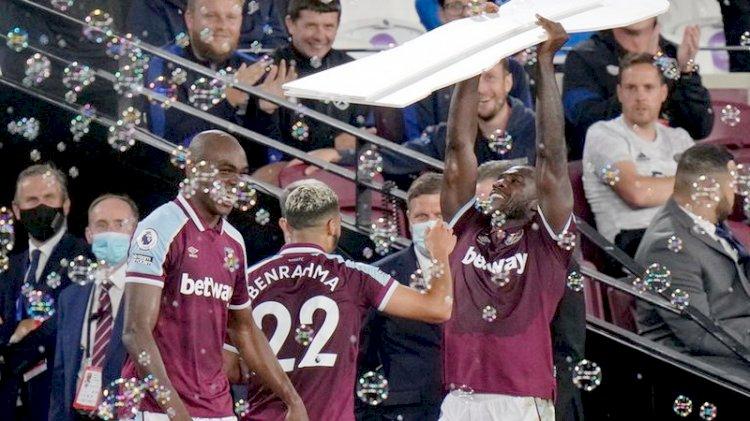 Liga Inggris: West Ham Permalukan Leicester 4-1