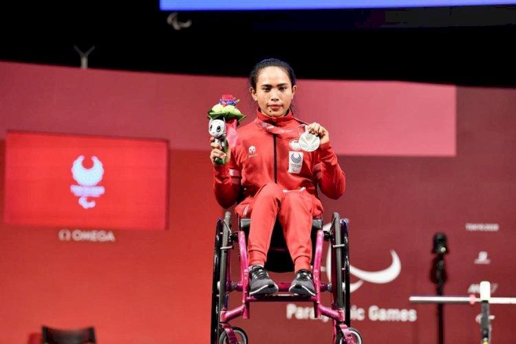 Lifter Ni Nengah Widiasih Sumbang Medali Pertama Indonesia di Paralimpiade Tokyo 2020