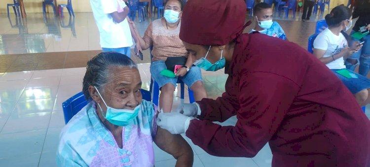 Soroti Vaksinasi Lansia di Indonesia, WHO Catat Aceh dan Sumbar Terendah