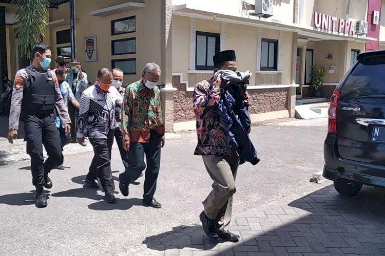 Kasus Jual Beli Jabatan di Probolinggo, 17 Tersangka 'Diangkut' ke KPK