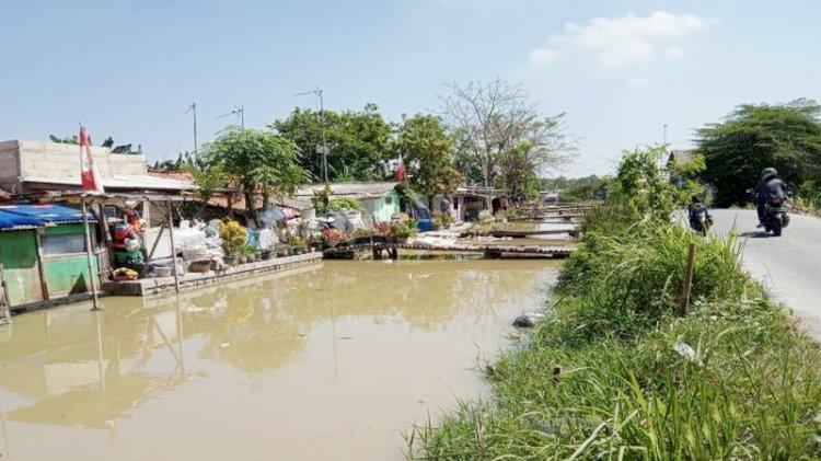 Pasca Disidak Pj Bupati Bekasi, Warna Air Kali Cilemahabang tak Hitam Lagi