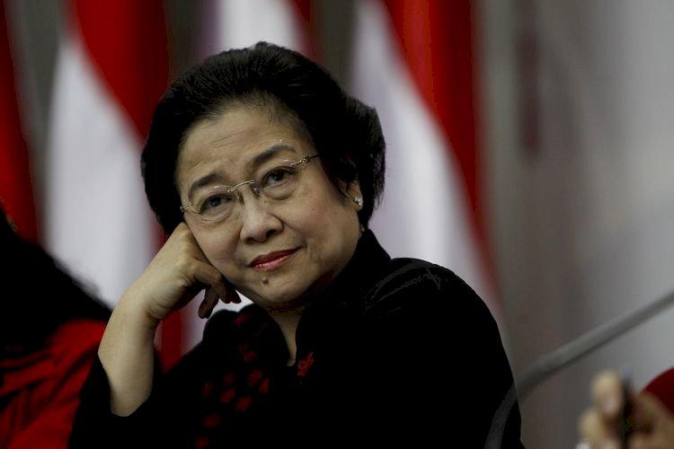 Tampil di depan Publik, Megawati Bantah Hoaks Sakit