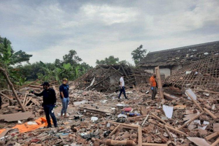 Bom Ikan Meledak di Pasuruan Jawa Timur, Ratakan 2 Rumah dan 2 Orang Tewas