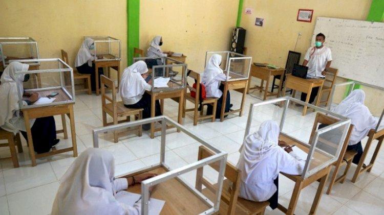 PTM Terbatas Guru Diminta Tak Bebani Anak Kejar Ketinggalan  Materi