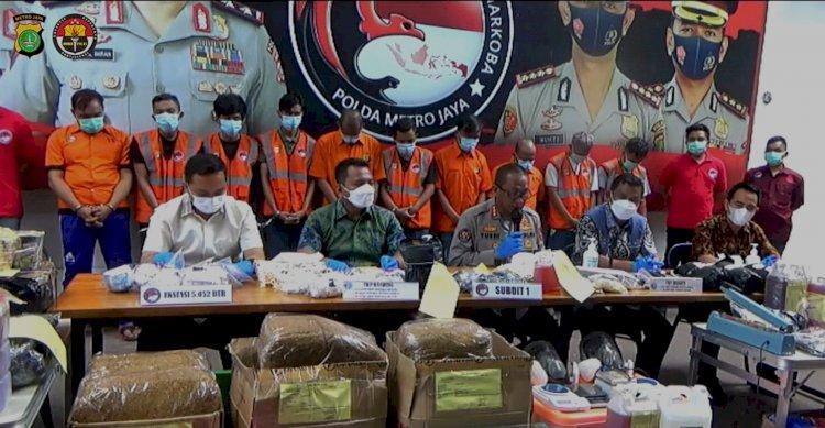 Polda Metro Jaya Gerebek Dua Pabrik Rumahan Narkoba Tembakau Gorila di Bandung
