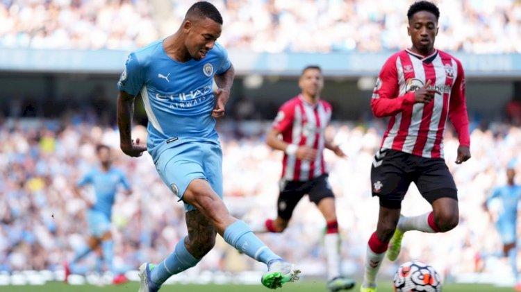 Piala Liga Inggris: Man City Lumat Wycombe, Liverpool Hajar Norwich