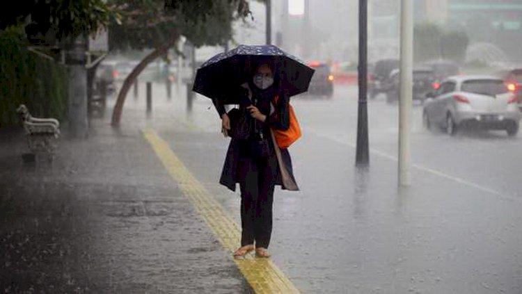 BMKG Peringatkan Sejumlah Wilayah RI Berpotensi Angin Kencang dan Hujan Lebat