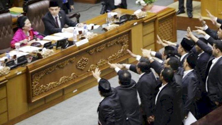 Setnov hingga Azis Terjerat Korupsi, Integritas Pimpinan DPR Dipertanyakan