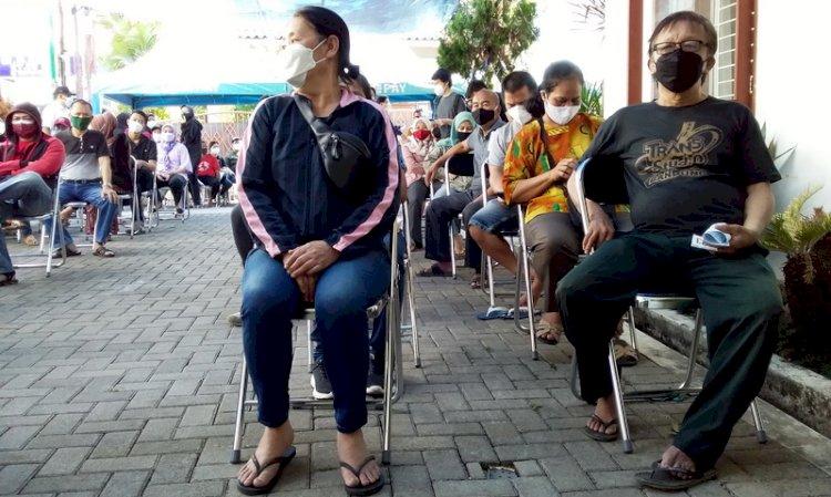 Ketua DPR: Jangan Ada Warga yang Tertinggal Peroleh Vaksinasi