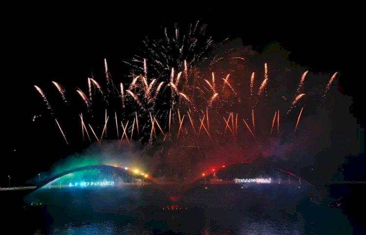 Pesta Kembang Api Akhiri Upacara Pembukaan PON Papua