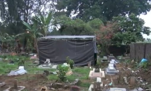 Lakukan Autopsi Ulang, Polisi Bongkar Makam Korban Pembunuhan Ibu dan Anak di Subang