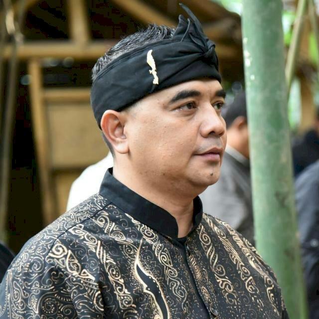 H. Syahrir Kirim Puluhan Tangki Air Bersih Bantu Kekeringan di Sukawangi Bekasi